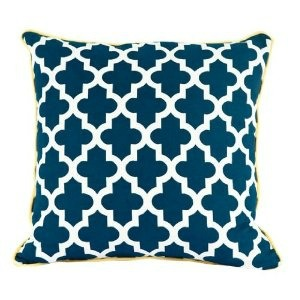pillow muslim singles 22 pillow and throw combinations for any style photo by tessa neustadt for ehd if there is one thing that we get asked more than anything it might be, 'can you help me pick out some pillows for my couch'.